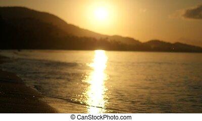 courses, ralenti, surprenant, mer, amusement, pendant, homme, plage, avoir, sunset.
