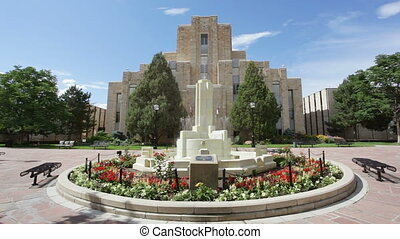Courthouse and fountain
