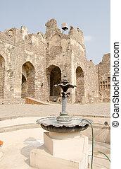 Courtyard fountain, Golcanda Fort