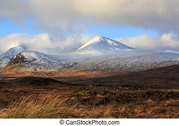 couvert, neige, montagnes
