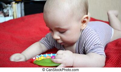 couverture bébé, jeux, rouges