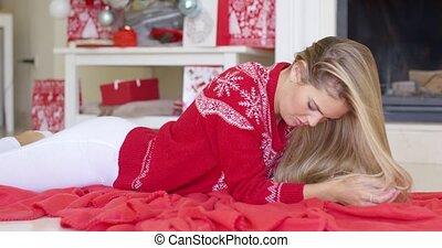 couverture, jeune, suivant, rouges, girl, cheminée, mensonge, heureux