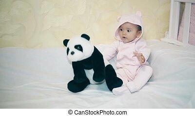 couverture, suivant, enfant, petit, blanc, panda, mensonge