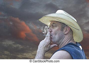 cowboy, qualmende , an, sonnenuntergang
