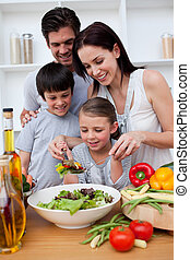 cozinhar, junto, família, feliz