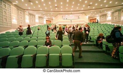 cpm, gens, première, après, collection, auditorium