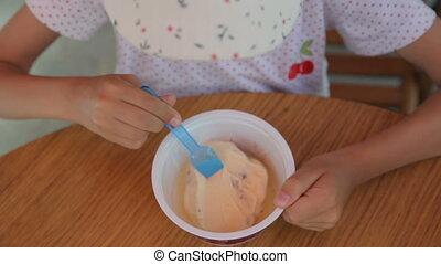crème, café, petite fille, manger, rue, glace