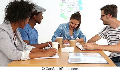 créatif, équipe, briefing, avoir