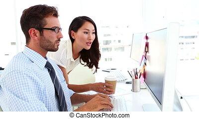 créatif, équipe, conversation, fonctionnement