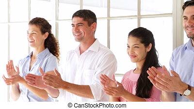 créatif, applaudir, équipe