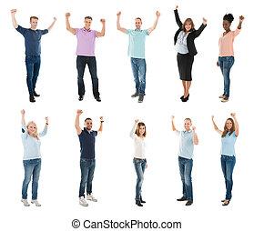 créatif, equipe affaires, à, bras augmentés, célébrer, reussite