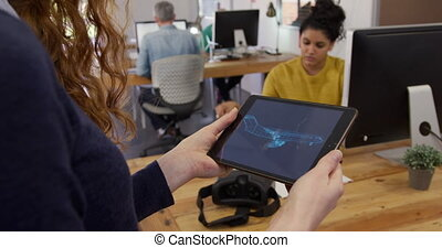 créatif, tenue, tablette, caucasien, bureau, femme, informatique
