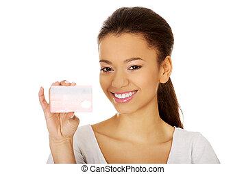 crédito, mulher, card., segurando, feliz