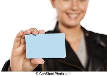 crédito, mulher, cartão, segurando, plástico