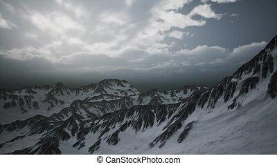crêtes, haute altitude, nuages