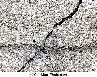 Cracked concrete monolith