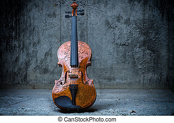 Violin on concrete wall - Cracked Violin on concrete wall...