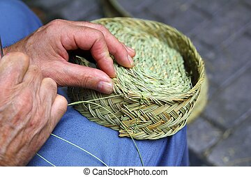 craftsman sewing basket esparto grass weaver from Spain