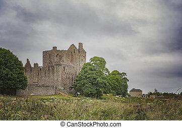 Craigmillar Castle in Edinburgh