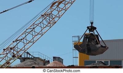 Crane Bucket - Crane bucket Unloading gravel