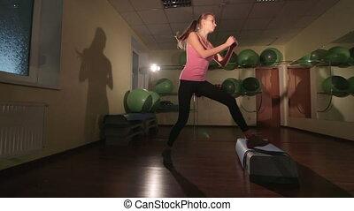 crane:, femme, jib, crise, club, jeune, aérobic étape, exercice forme physique