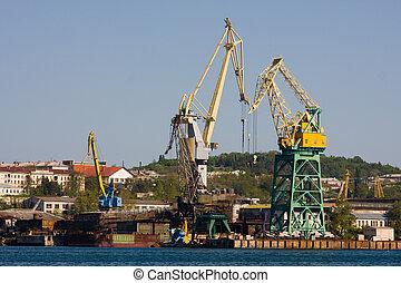 Cranes in port