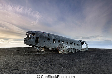 Crashed DC-3 Airplane in Iceland - Amazing landscape with ...