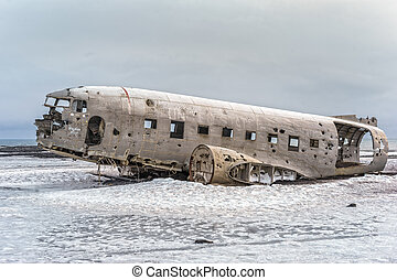 Crashed Navy DC-3 in Iceland - In the winter of 1973 a US ...