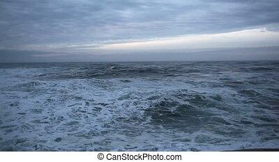 Crashing Waves in Cape Kiwanda OR - Movie of Crashing Waves...
