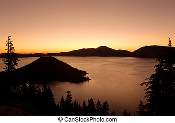 Crater lake national park at sunset, Oregon