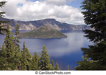 Crater Lake, Oregon - view of Wizard island in Crater Lake, ...