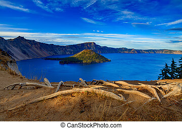Crater lake view - Crater Lake National Park in autumn,...