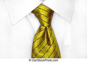 cravate, chemise blanche, rouges