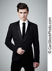 cravate, noir