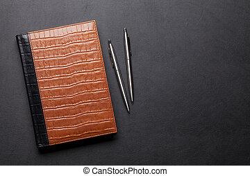 crayon, bloc-notes, bureau, cuir, stylo, bureau, table