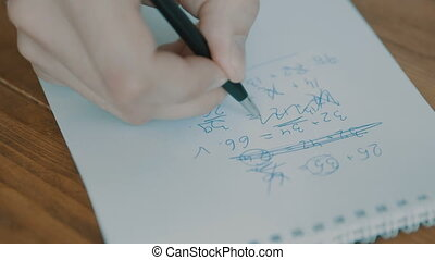 crayon, papier, closeup, écriture main