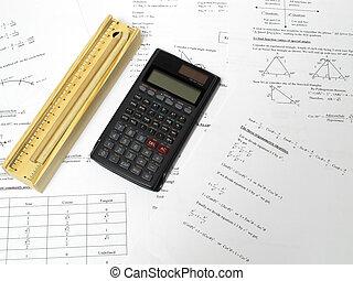 crayons, calculatrice