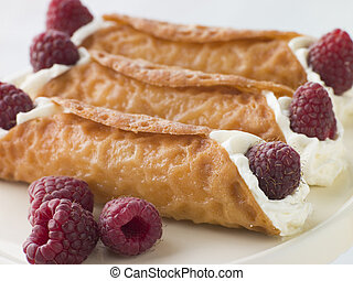 Cream Brandy Snaps with Raspberries