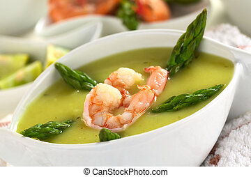 Cream of asparagus with shrimps