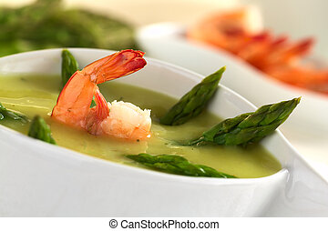 Cream of green asparagus with shrimp