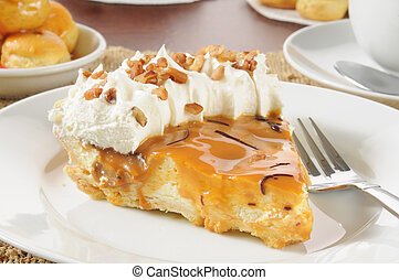 Cream pie with caramel and chocolate