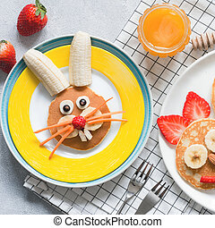 Creative breakfast for kids on Easter