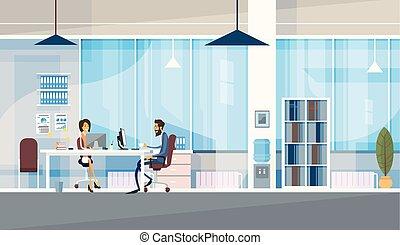 creativo, oficina, co-working, centro, empresarios, sentado, escritorio, trabajo junto
