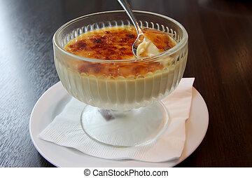 Creme brulee - Bowl of creme brulee cremy pudding dessert