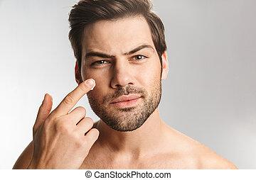 creme, facial, homem, foto, aplicando, bonito, metade-...