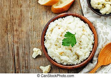 cremoso, coliflor, ajo, arroz