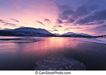 crepúsculo, acima, um, ford, em, noruega, com, beautifully,...