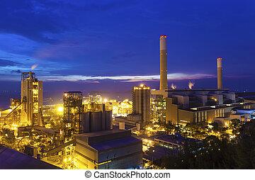 crepúsculo, foto, de, central eléctrica