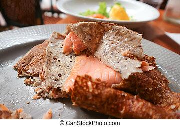 crepe with salmon stuffed