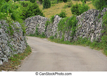 Cres Trockenmauern mit Weg - Cres dry stone wall and way 04